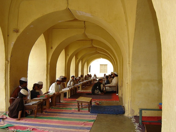 role of mosque in islamic culture essay